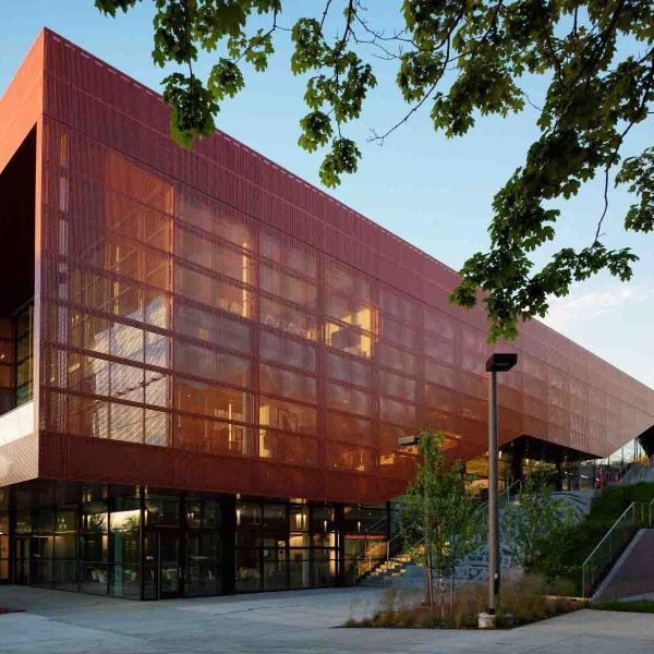 UofI IRIC Science Building